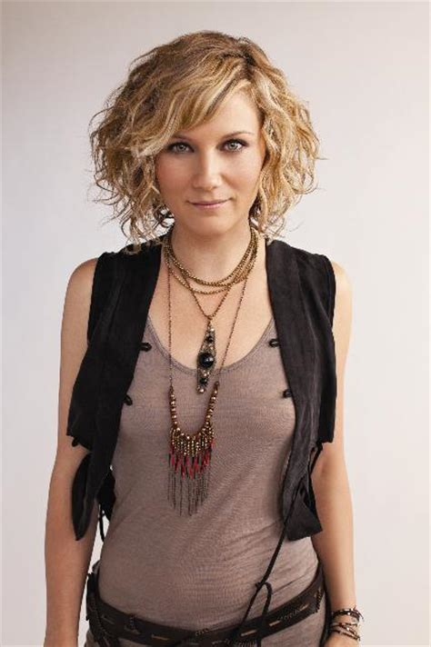 sugarland sexy gaycalgary jennifer nettles gives the gays some