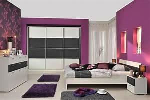 Wandfarben Ideen Schlafzimmer : lila schlafzimmer 31 super kreative beispiele ~ Markanthonyermac.com Haus und Dekorationen