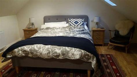Aarons King Size Bed by Evercreech Foto S Getoonde Afbeeldingen Evercreech