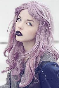 Lavender hair & dark lips. Copy it: Manic Panic lipstick ...