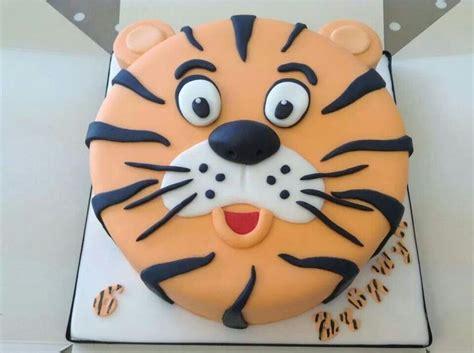 tigger birthday cake template 25 best ideas about safari cupcakes on pinterest jungle