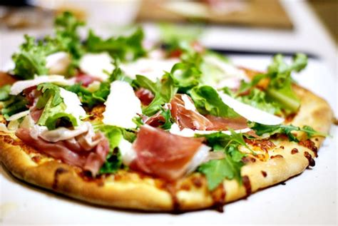 cuisine cook master epicurus com recipes prosciutto and arugula pizza