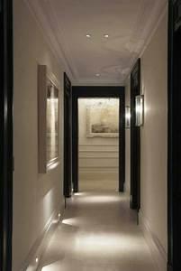 Peindre Un Couloir : peindre porte 2 couleurs charmant peinture couloir et ~ Dallasstarsshop.com Idées de Décoration