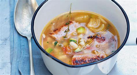 cuisiner saucisse de toulouse recette soupe de haricots à la saucisse de toulouse cuisine