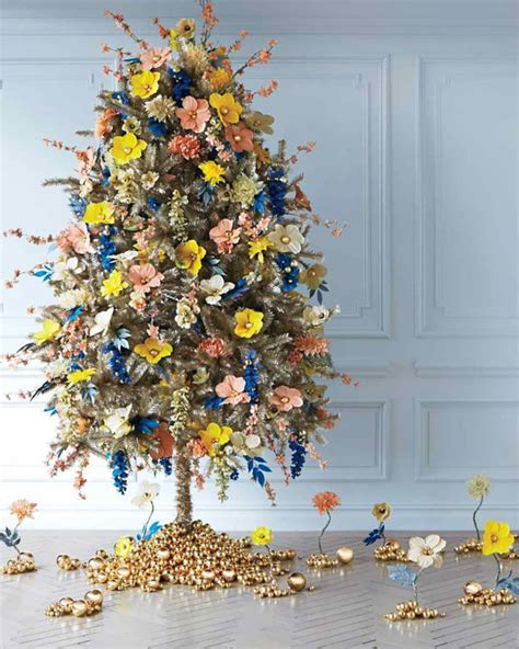 people use flowers to decorate their christmas trees and it s beautiful