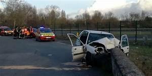Reprise Vehicule Plus De 20 Ans : charente maritime une femme de 20 ans d c de dans un accident de la route sud ~ Gottalentnigeria.com Avis de Voitures