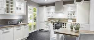 landhausstil modern klassisches design küche landhausstil modern küche im landhausstil gestalten home design ideen