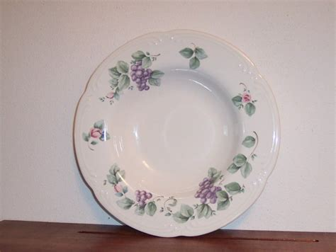 pfaltzgraff large rimmed soup bowl grapevine dinnerware