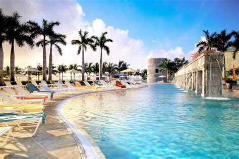 castaways resort suites grand bahama island  hotel