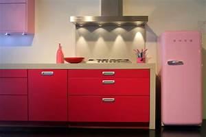 Smeg Kühlschrank Rosa : der smeg k hlschrank eine designikone in 50er jahre style ~ Markanthonyermac.com Haus und Dekorationen