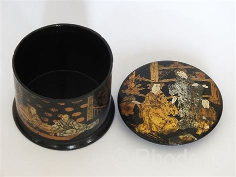 japanese lacquered papier mache trinket box meiji period