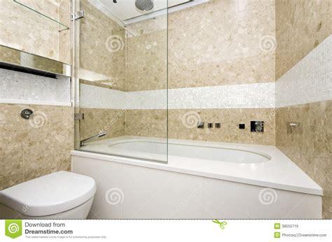 vasca da bagno grande il bagno alla moda con la grandi vasca e mosaico