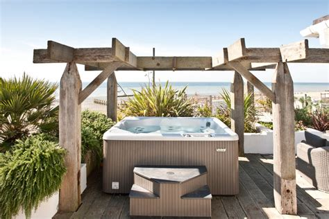 houses with tubs to rent angmering on sea house on west sussex