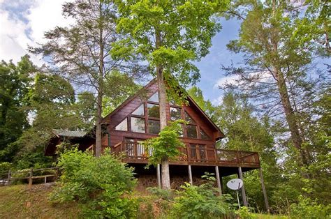 heartland cabin rentals amazing views 2 bedroom cabin in gatlinburg tn