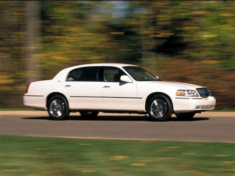 Reliable Car Lincoln Town Car Wallpapers And Images