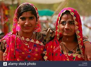 Rajasthani girls in traditional outfit. Pushkar, Ajmer ...
