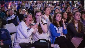 Tears and shock at Hillary Clinton's election night party ...