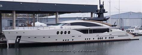 palmer johnson yacht docked  great lake yacht