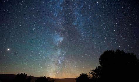 perseids meteor shower  facts  stunning light
