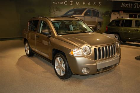 compass jeep 2006 jeep compass ny auto show 2006 car pictures by carjunky