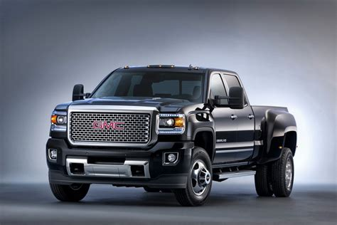 GMC Car : 2015 Gmc Sierra Hd Breaks Cover In Texas