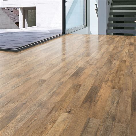 guarcino reclaimed oak effect laminate flooring   pack departments diy  bq