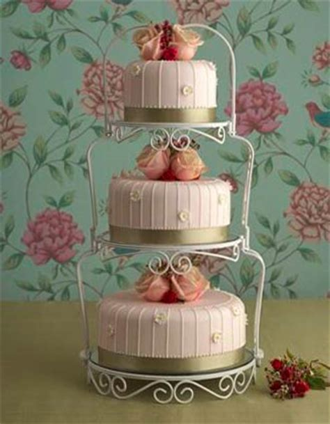 shabby chic themed wedding cake shabby chic wedding theme arabia weddings