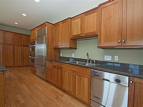 photos of kitchens with cherry cabinets gorgeous craftsman home in arbor reinhart reinhart 9088