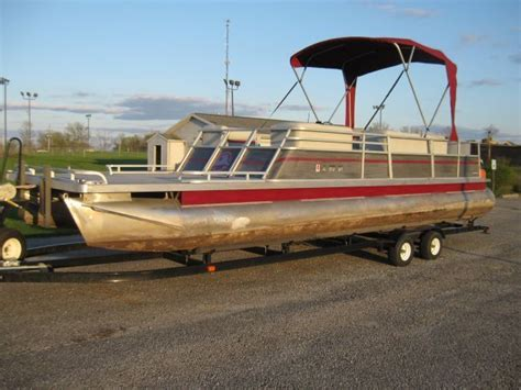 30 Pontoon Boat by 30 Foot Crest Pontoon Boat Barge With Bunk Style
