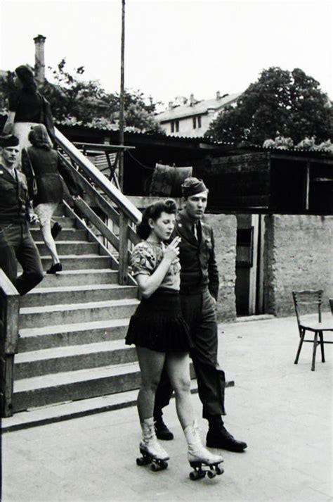 Couple Black And White Queue Vintage 1940's Roller Skates