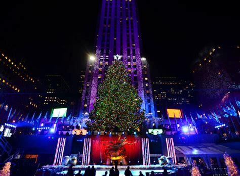 rockefeller center christmas tree lights up city ny