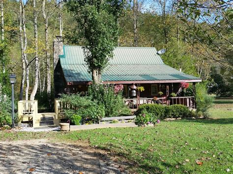 pet friendly toccoa riverfront cabin  vrbo