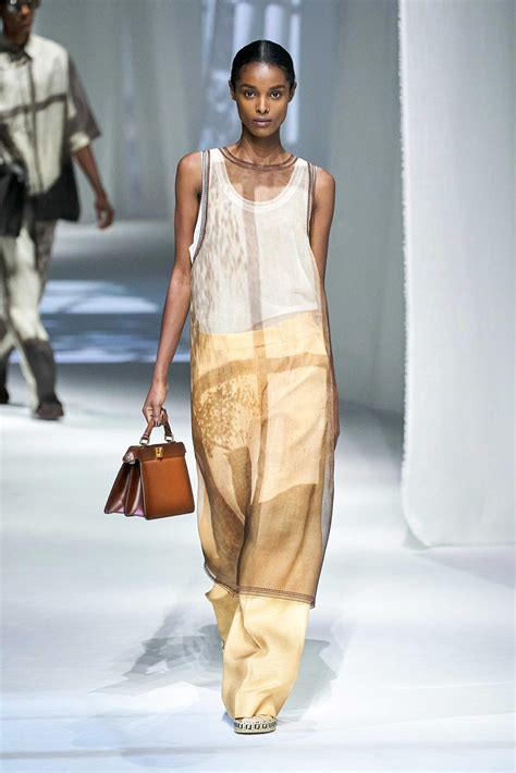 Spring Summer 2021 Runway Trend: Play with organza - Mode Rsvp