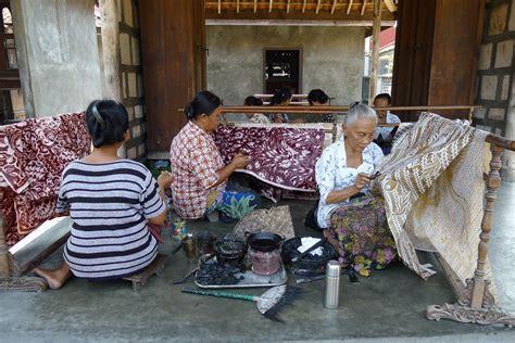 filewomen making batik ketelanjpg wikimedia commons
