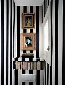 Papier Peint Rayé Noir Et Blanc : le papier peint design 50 belles id es ~ Dailycaller-alerts.com Idées de Décoration