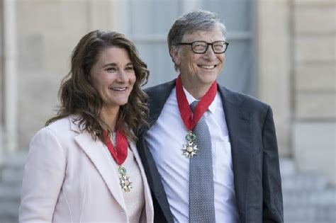 So let's take a look at the 5 richest men in the world ...