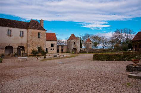 chambre d hotes cluny chateau de roziere