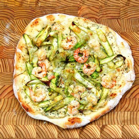 cuisiner les crevettes pizza aux asperges crevettes nordiques et gré des chs