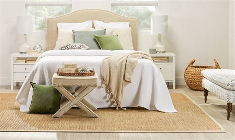 ideas  choose  perfect bedroom area rug overstockcom