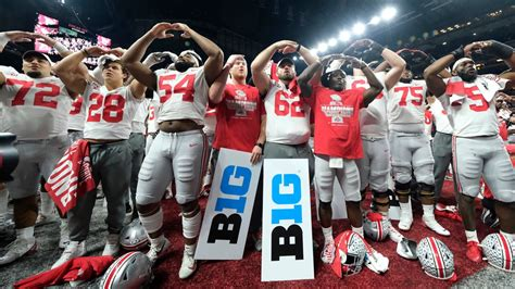 Ohio State football players, fans and families waiting for ...