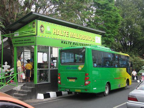 Trans jogja memiliki 20 bis rute di yogyakarta dengan 352 bis pemberhentian. Trans Jogja - Wikipedia bahasa Indonesia, ensiklopedia bebas