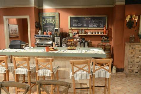 table blanche cuisine cuisine style bistrot l 39 incarnation de la convivialité