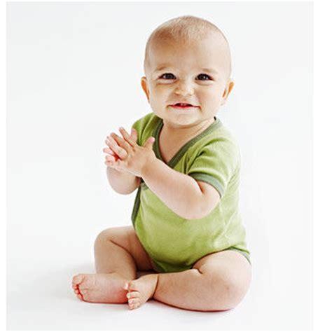 encouraging baby to crawl