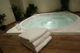 clean jacuzzi tub jets