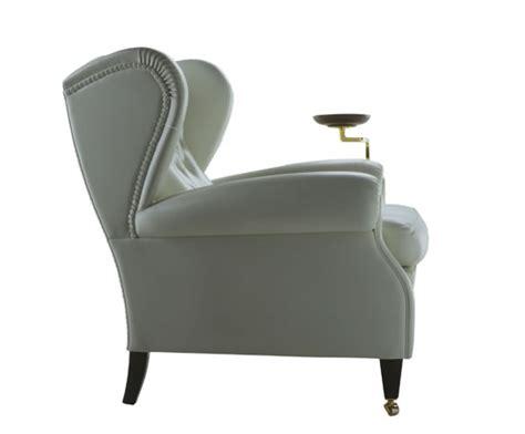 Chester Sofa And 1919 Armchair By Poltrona Frau