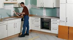 Plan De Travail De Cuisine : r nover un plan de travail sur support bois youtube ~ Edinachiropracticcenter.com Idées de Décoration
