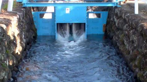 МикроГЭС для работы в условиях спокойной воды своими руками турбина расчет генератор цена купить на ручье реферат реке рукав тюрго до 10 киловатт.