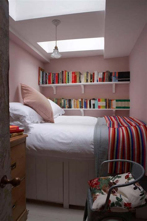 Bedroom Ideas For Small Sized Rooms by 31 Small Space Ideas To Maximize Your Tiny Bedroom