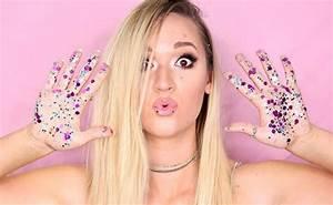Leading Lifestyle Vlogger Alisha Marie Signed By United