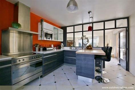 une cuisine avec verri 232 re l atout charme d une cuisine semi ouverte iterroir